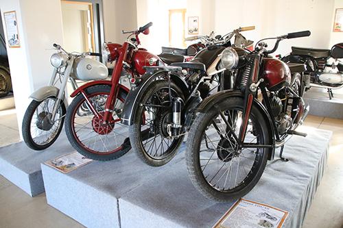 Veterán motorok kiállítása Szerencsen