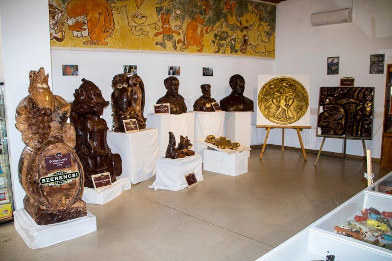 Csokoládészobrok állandó kiállítása Szerencs