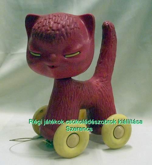retro műanyag cica