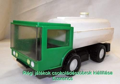 Szovjetunió tejszállító autó
