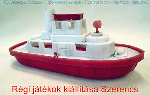 trafikárú hajó műanyag