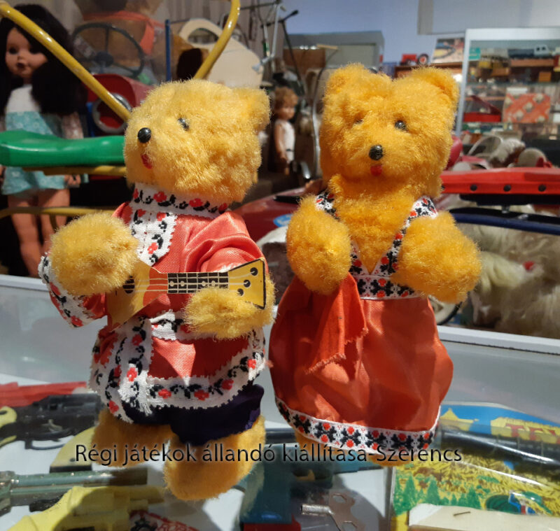 russian wind up toys
